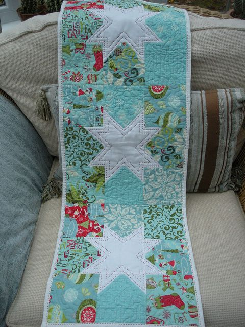 Tablerunner For Modern Tablerunner Swap Quilted Table Runners Christmas Quilts Quilted Table Toppers