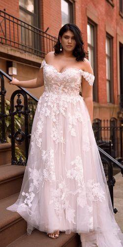 36 Plus-Size Wedding Dresses: A Wow Guide | Wedding Forward