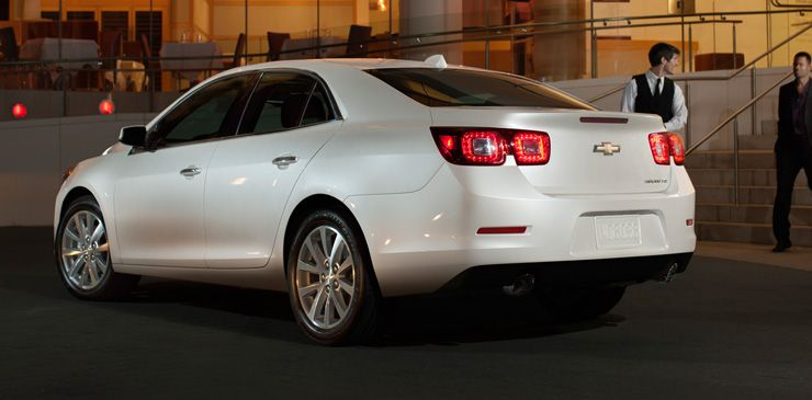 Malibu Ltz Shown In White Diamond Tricoat Extra Cost Colour With Available Features Chevrolet Malibu Malibu Mid Size Car