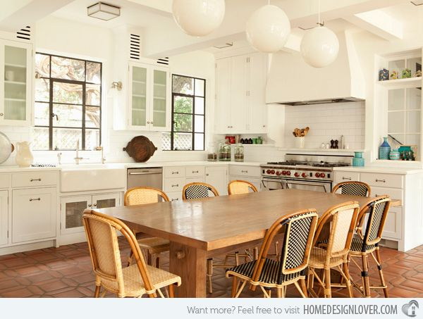 15 Traditional Style Eat In Kitchen Designs