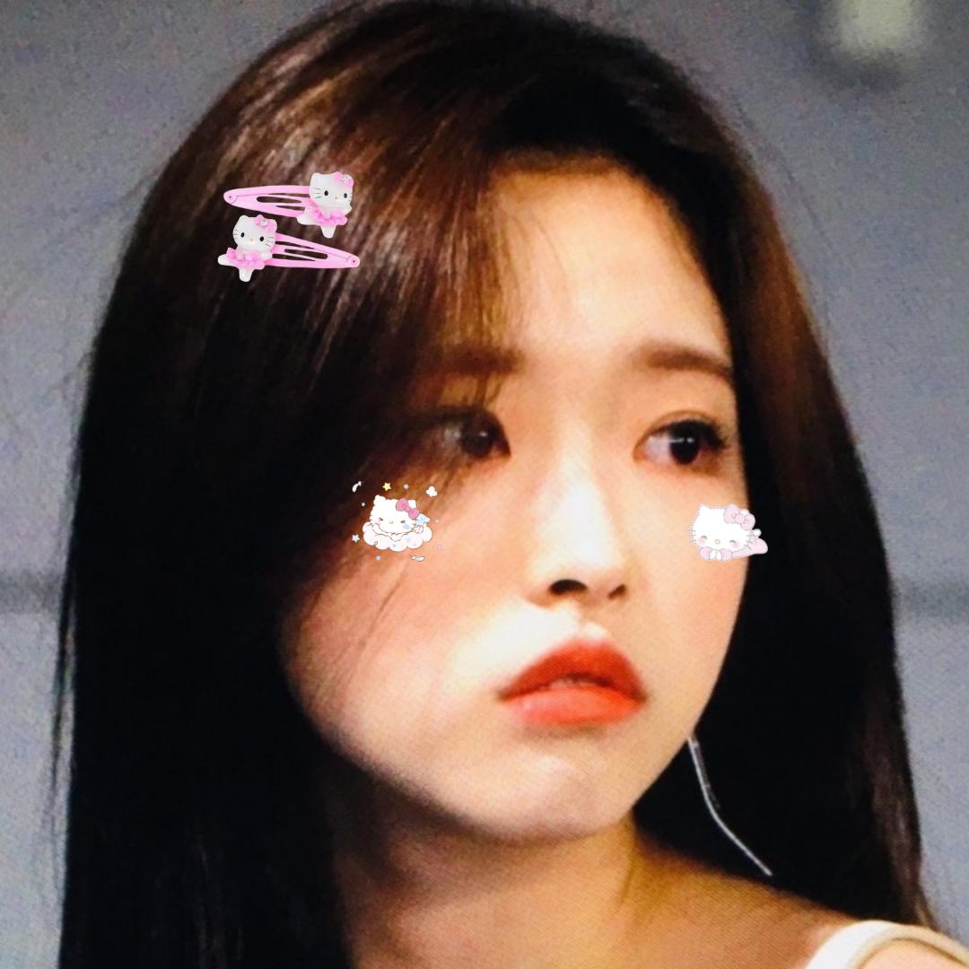 Pin By On Kpop Idols Olivia Hye Girl Icons Kpop Girls