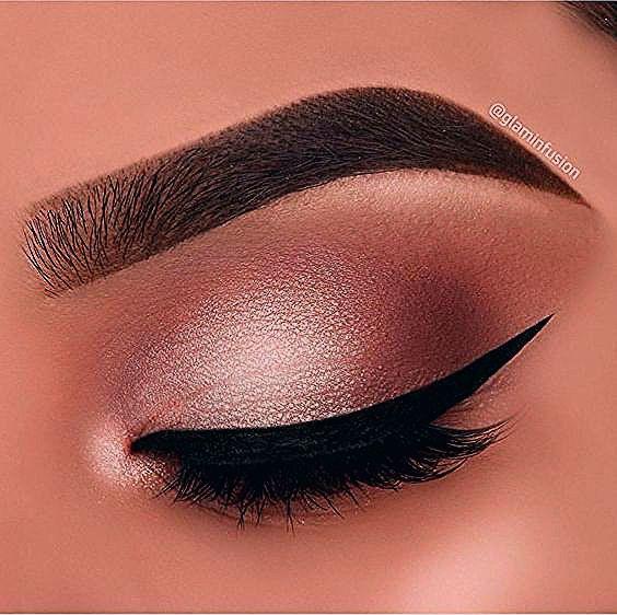 Photo of Dieser Make-up-Trend ist der einfachste Weg, um Ihren Look zu aktualisieren – Spitze