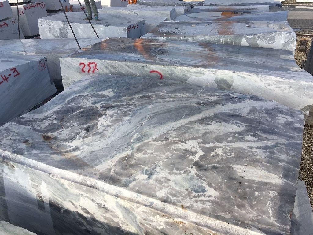 Fußboden Fliesen Granit ~ Hartgestein labradorite white pyton im rohblocklager. granit