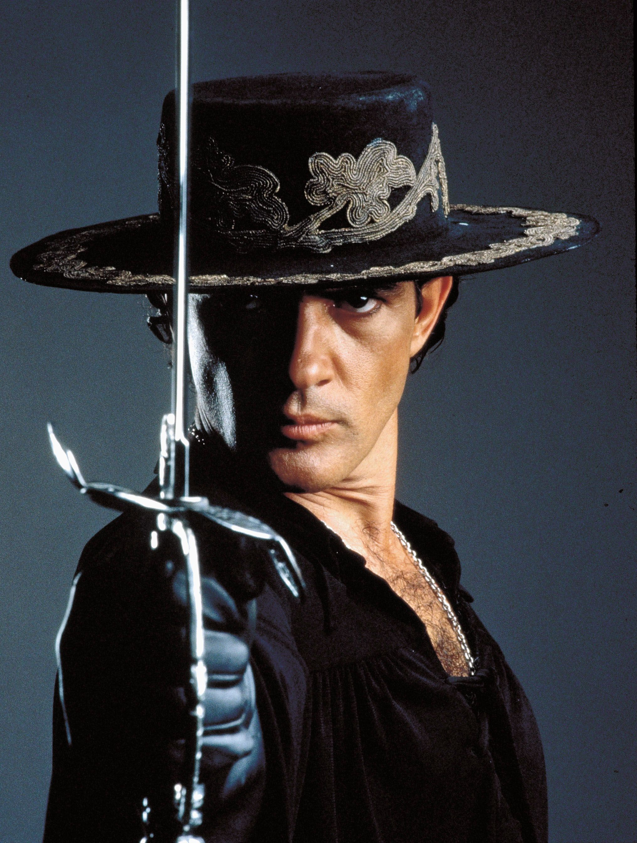 Antonio Banderas for The Mask of Zorro directed by Martin ...