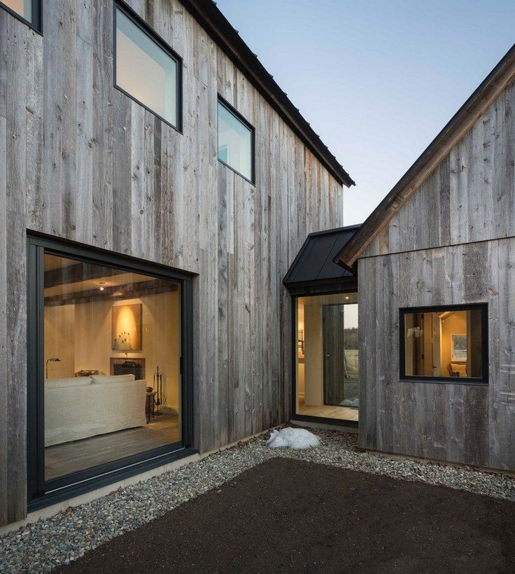 This Barn-Inspired Home Expresses Typical Farmhouse Elements in New Ways – #Barn…,  #barn #…