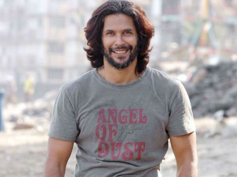24 Bollywood Beards That Will Make You Drool Celebrity Cosmopolitan India Beard Styles Long Hair Styles Men Indian Beard Style