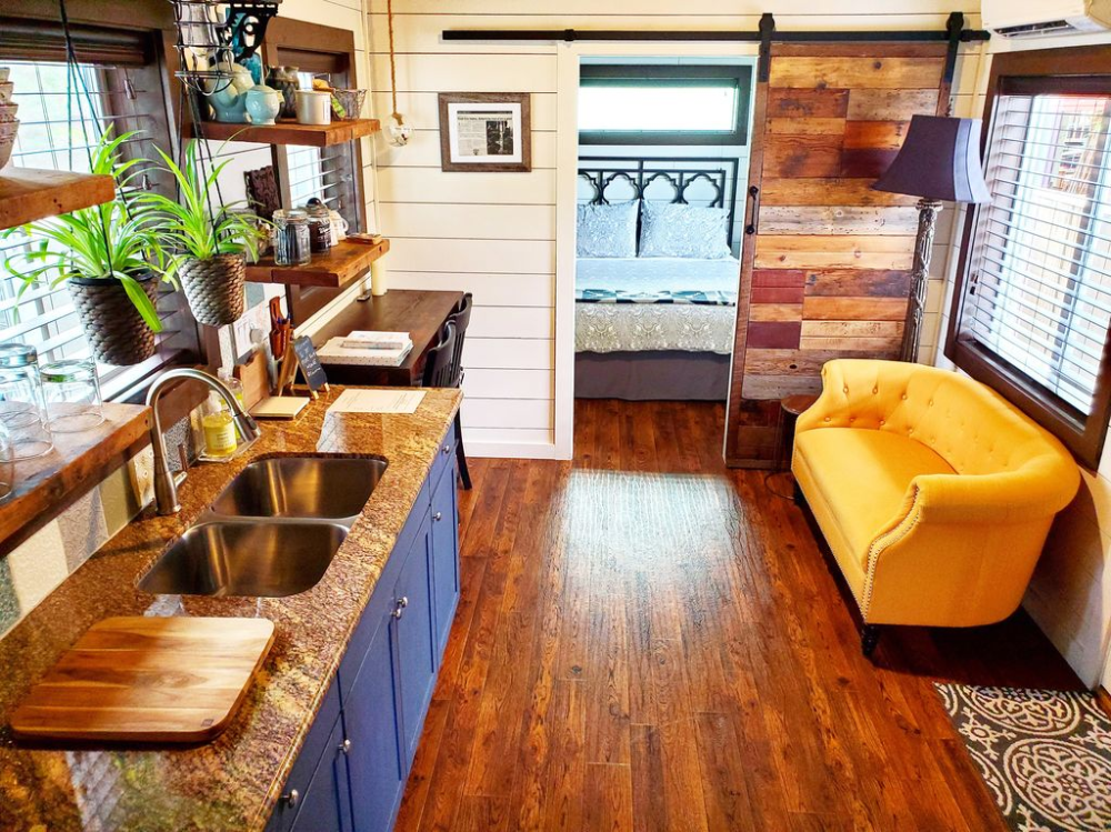Cozy urban cabin (with AC), in ️ of Portland (special