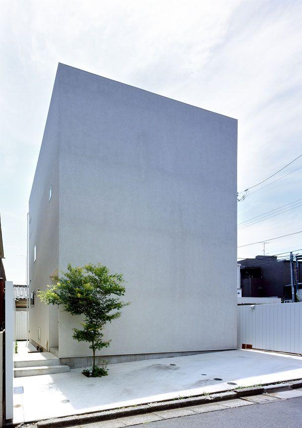 重厚感 深みのあるシンプルな外観の家 間取り 東京都世田谷 狭小