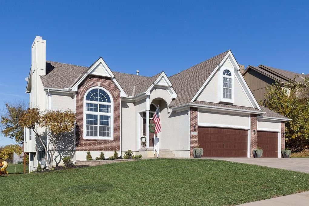 1112 sw whistle dr lees summit mo 64082 house styles
