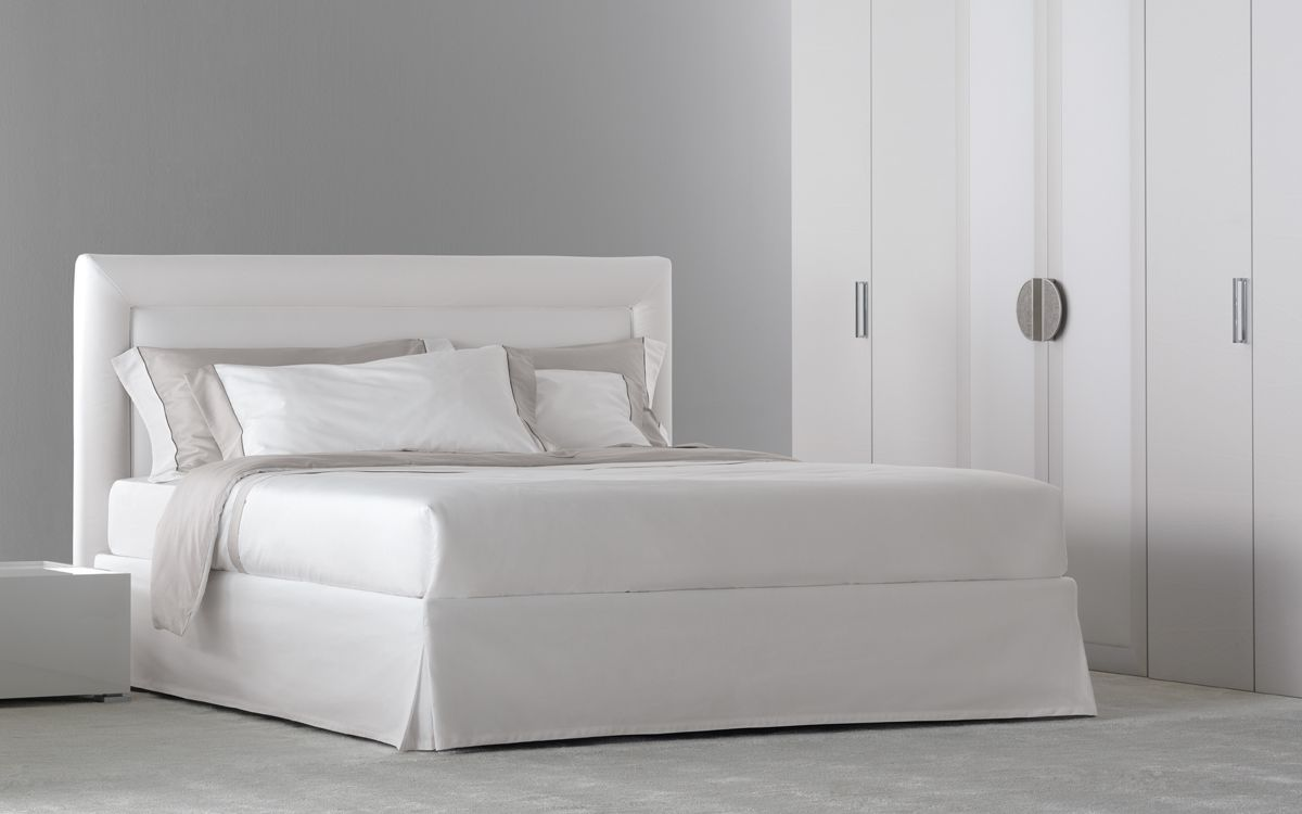 Sumptuously elegant double-size bed [Double Bed \