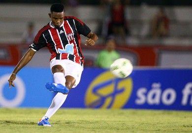 87eb80a6d3 Samuel Eto o Come-Fogo (Foto  Thiago Calil   Agência Botafogo)