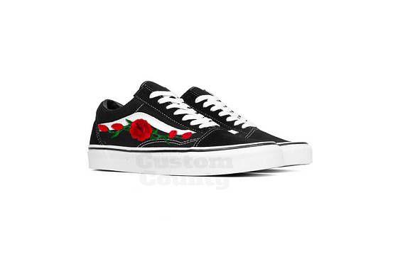 4fc7eb3fc5916 Old skool Vans, custom made shoes, Vans sneakers, Vans rose patch ...