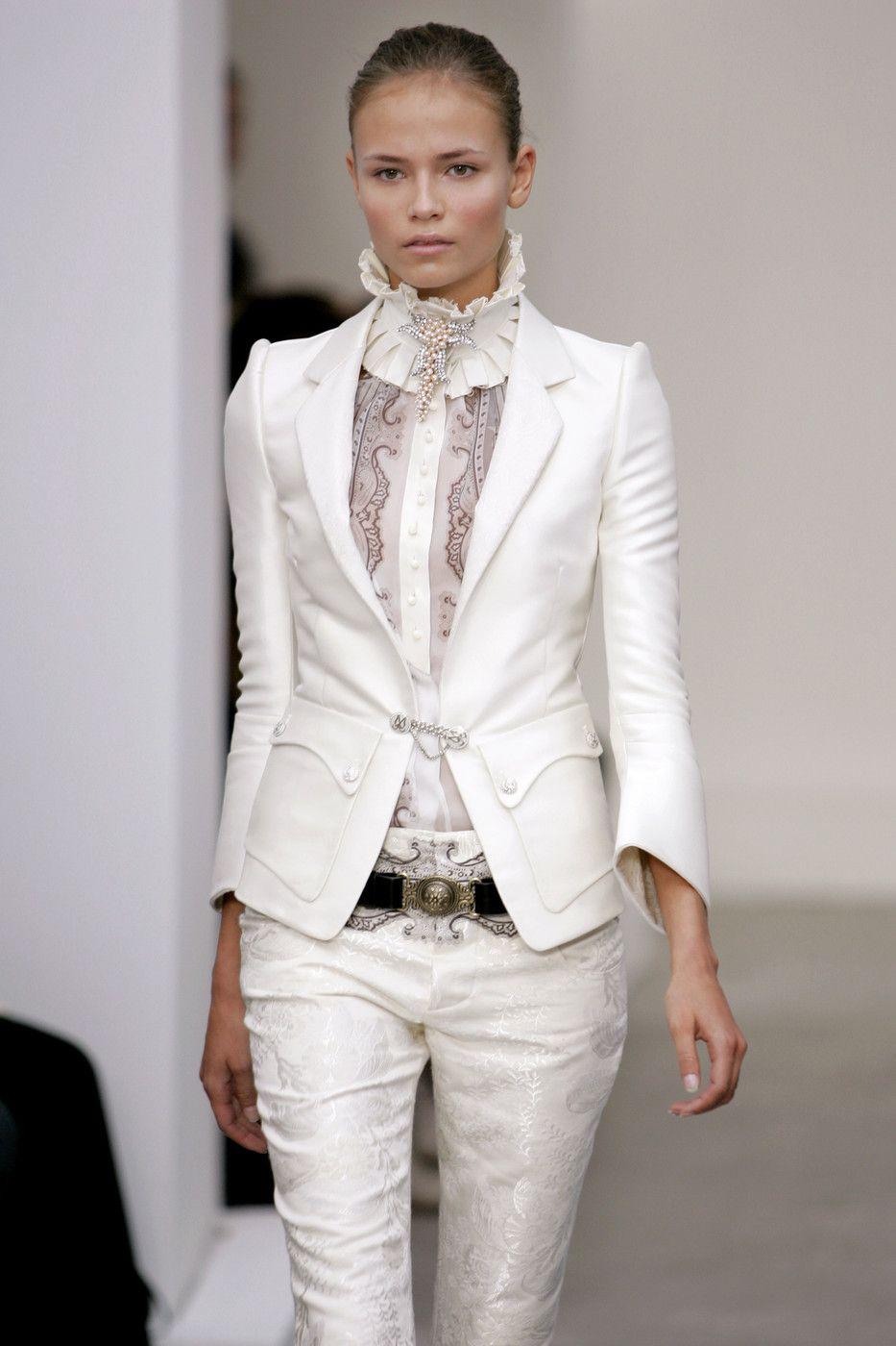 Photo of Balenciaga at Paris Fashion Week Spring 2006
