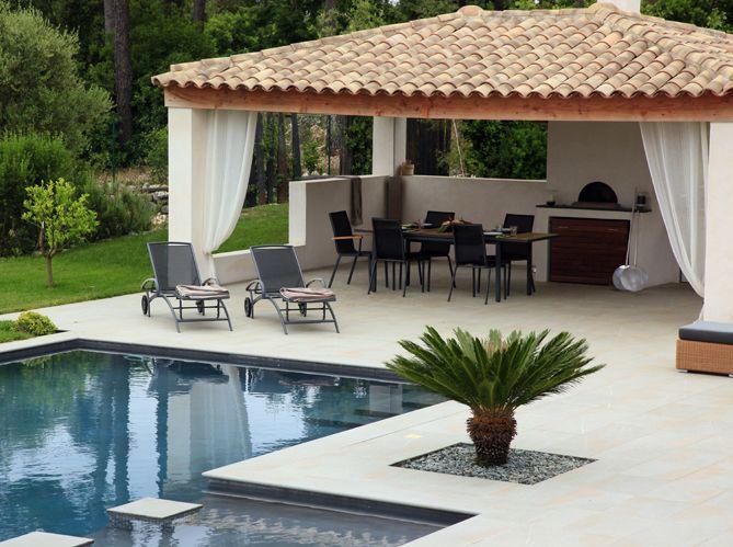 De beaux abris de piscine cuisines d 39 ext rieur pinterest abris de piscine refuges et piscines - Amenagement bord de piscine ...