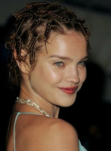 Natalia or...Bjork? Does anyone know which fashion show this look is from? #NataliaVodianova  #hair