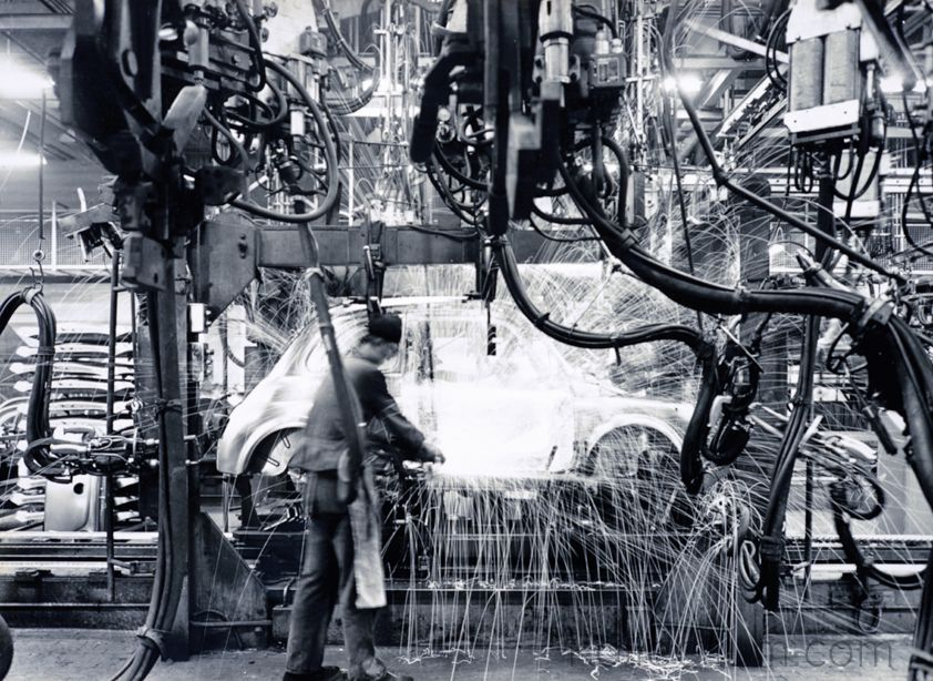 Sparks that made history, productive line of Fiat 500. Archivio e Centro Storico Fiat