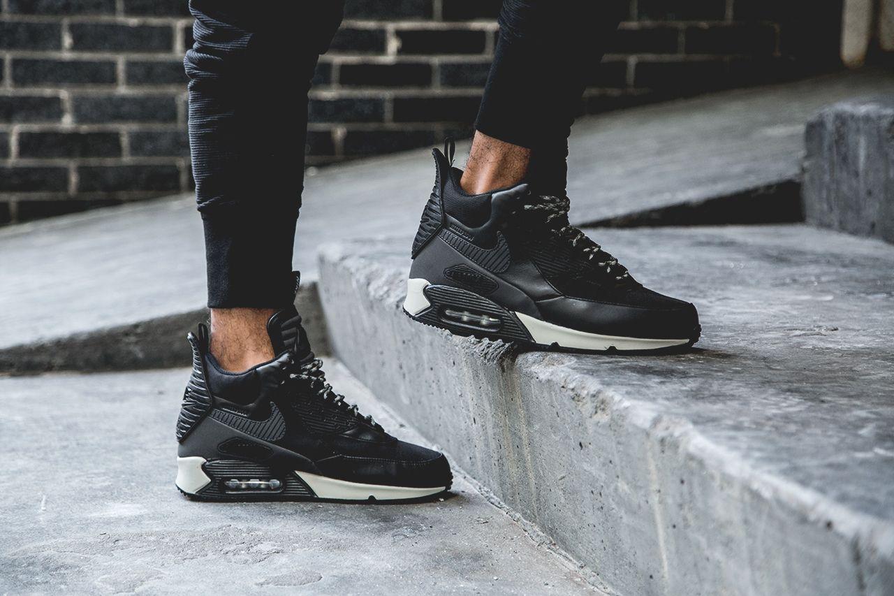 nike air max 90 sneaker boot black & dark charcoal metallic paint