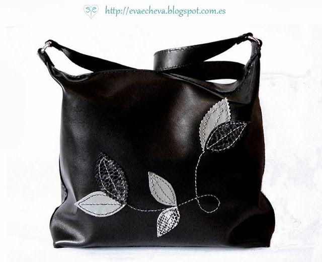 Bolso de cuero negro hecho a mano. Handmade leather bag with