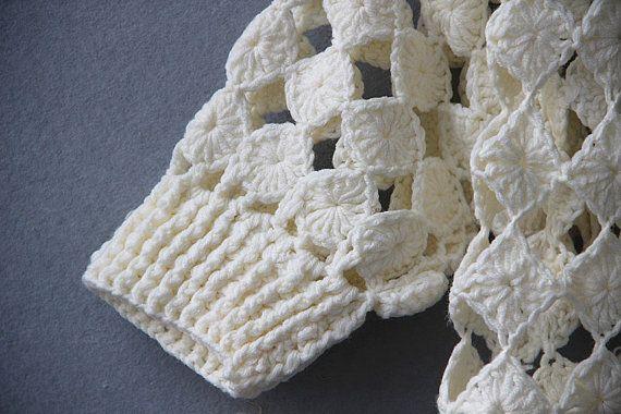Ivory Crochet Cropped Top Short Sleeved by Tinacrochetstudio