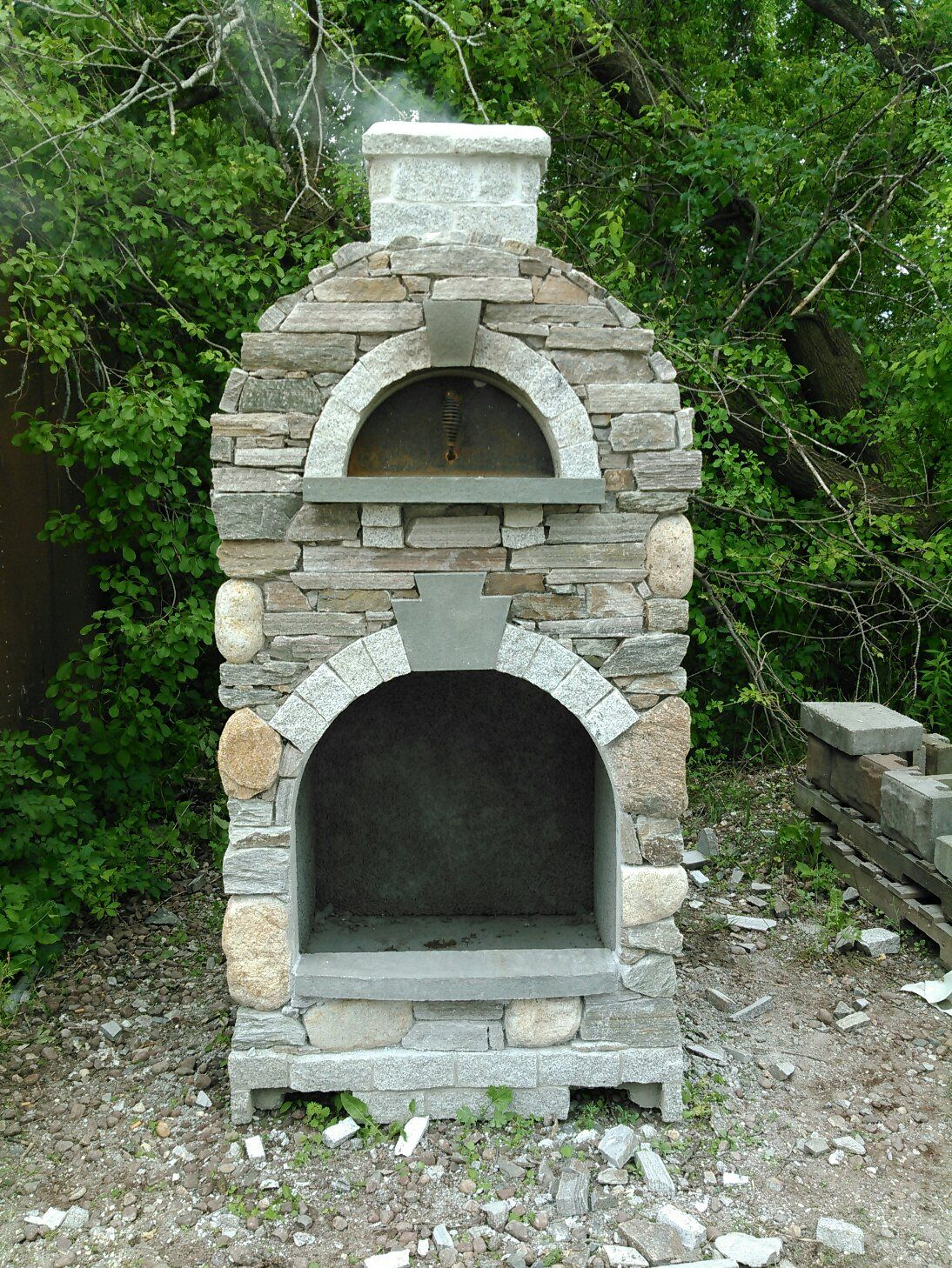 mezzo outdoor pizza oven with natural stone veneer outdoor pizza ovens pinterest fire. Black Bedroom Furniture Sets. Home Design Ideas