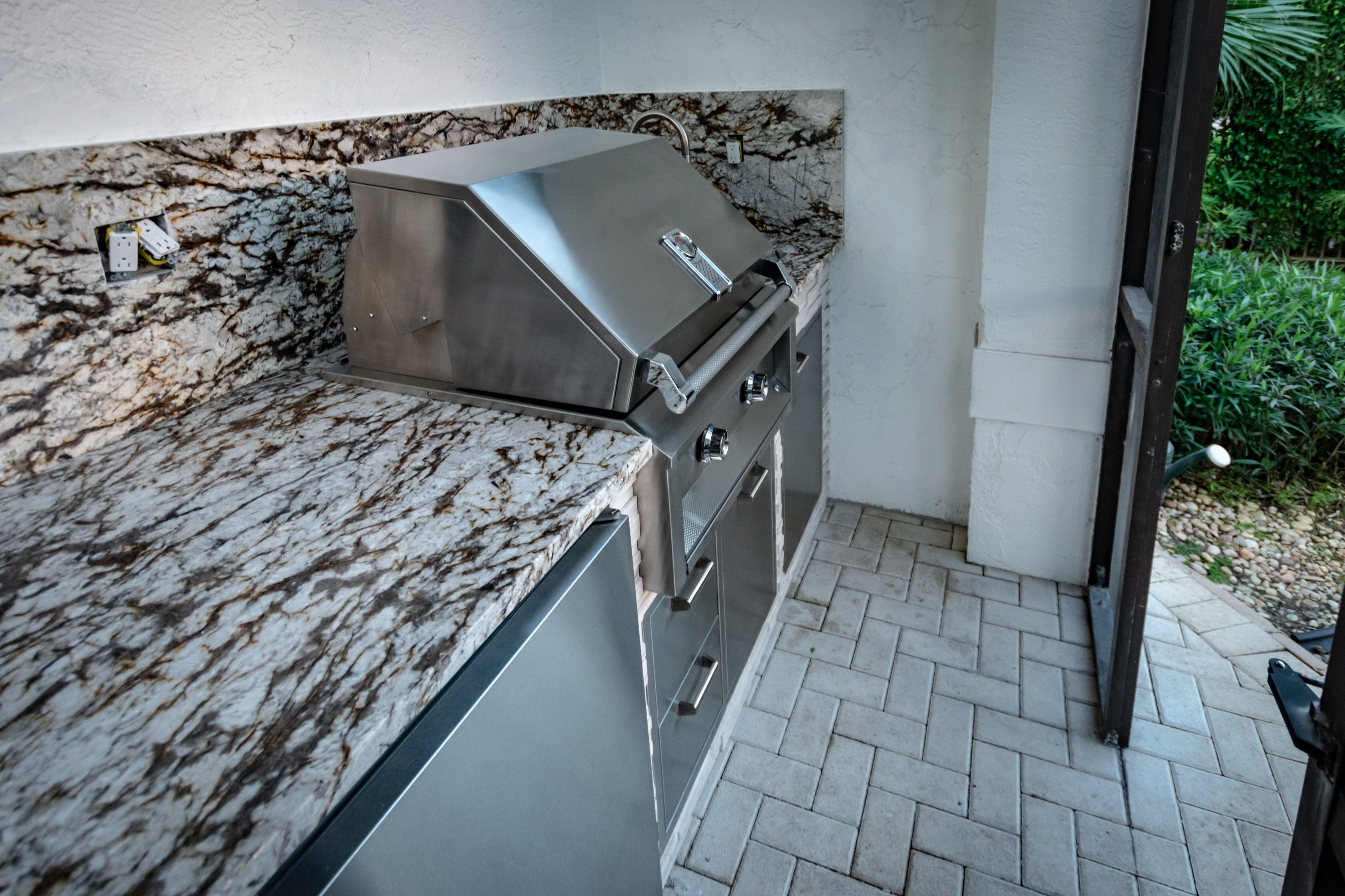 Holiday Ready Fischmanoutdoorkitchens Palmbeachgrillcleaner Outdoorentertainment Outdoorgrills Outdoorkitc Outdoor Kitchen Outdoor Appliances Patio Style