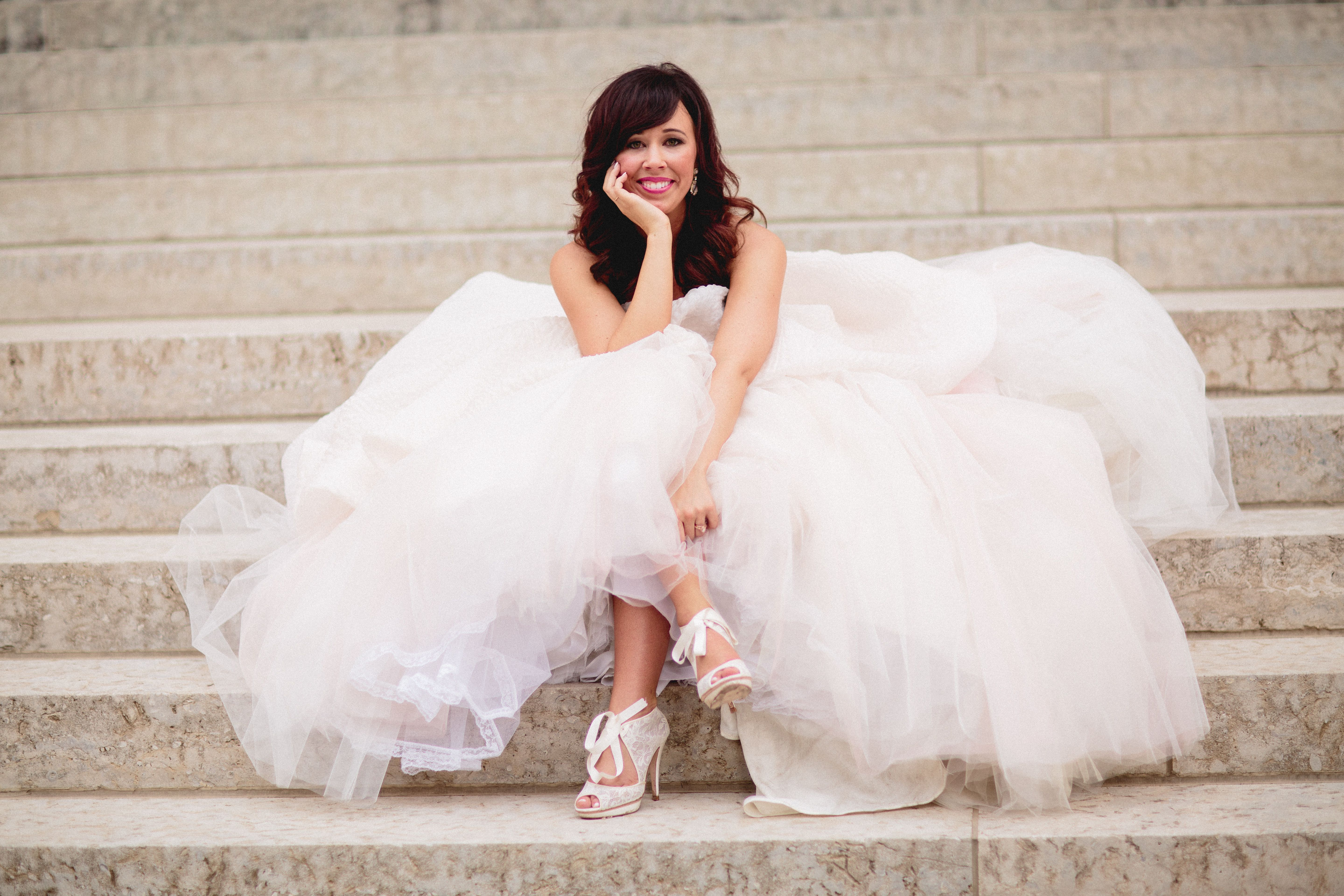 Bridal portrait at the Columbus State House / Lazaro Bridal Gown ...