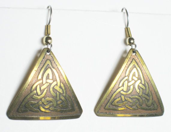 Irish Celtic Knot Earrings Vintage Jewelry by mainevintagetreasure, $18.00