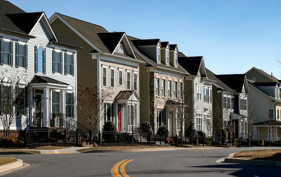Experts Predict What The 2021 Housing Market Will Bring In 2021 Housing Market Real Estate Trends Lowest Mortgage Rates