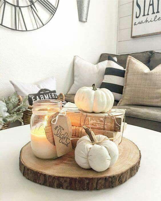 Tis Autumn Living Room Fall Decor Ideas: Wood Slice Living Room Centerpiece