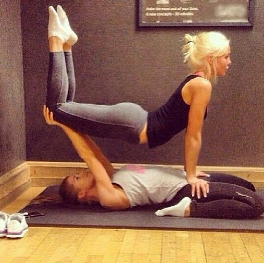 Best Friends Workout Together Couples Yoga Easy Yoga Poses Cool Yoga Poses