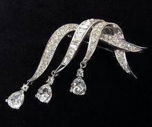 Beautiful Sparkling Vintage Boucher Crystal Rhinestone Teardrops Brooch from Vintage Jewelry Girl! #vintagejewelry