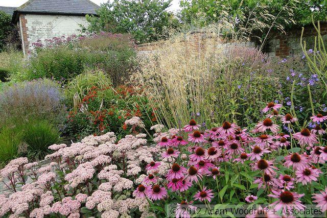 Bury court garden inspirations pinterest staudenbeet for Pflanzengestaltung garten