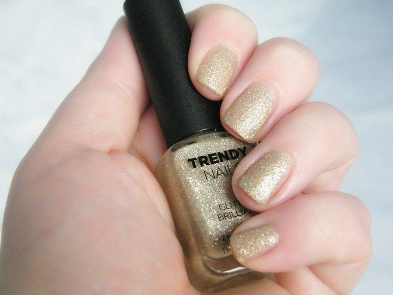 THEFACESHOP Trendy Nails GLI006 Swatch & Review   Swatch and Dupes