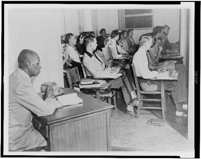 segregated schools 1950s - 640×507
