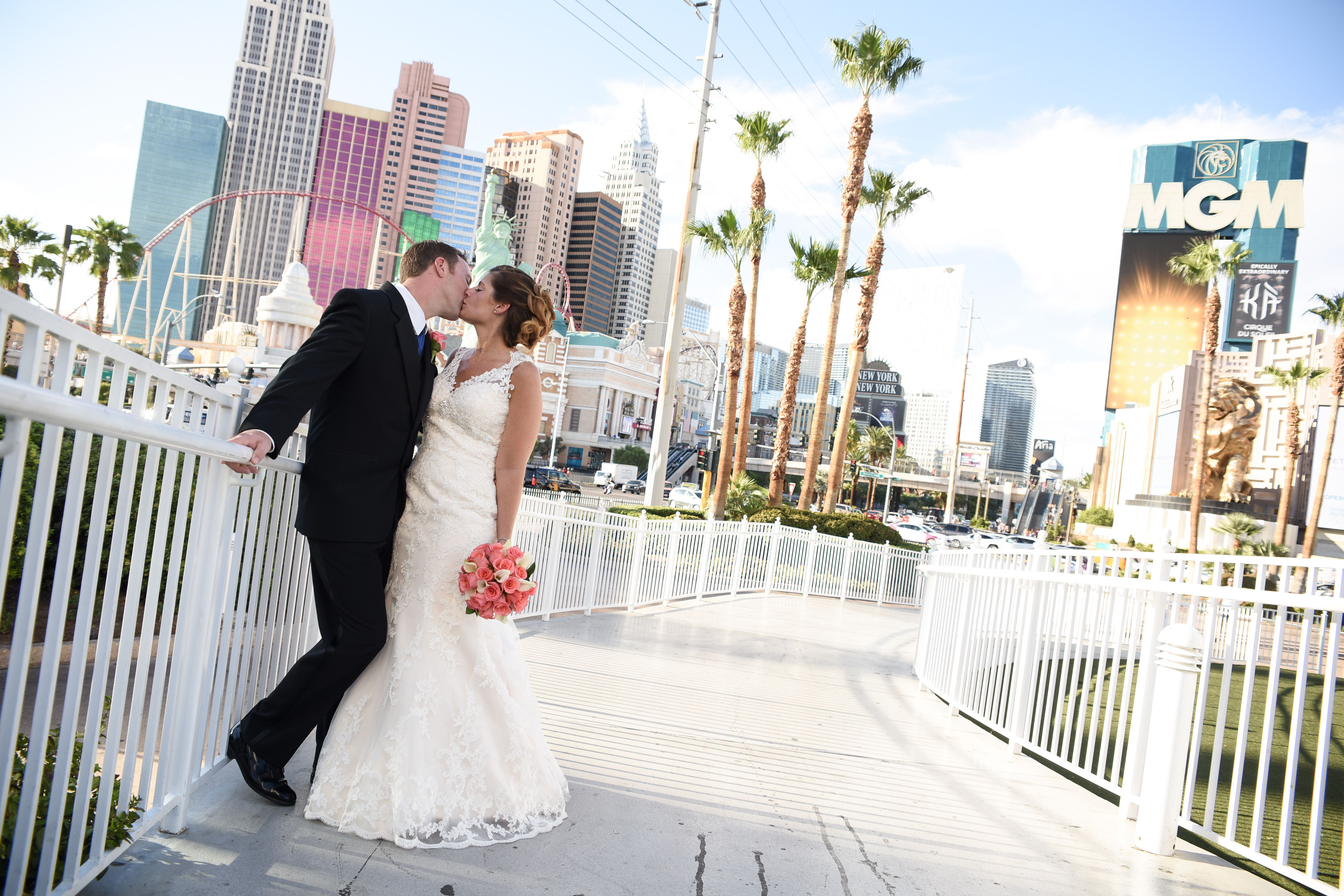 Las Vegas Wedding Planners Included In Every Package At Tropicana Affordable All Inclusive Packages And Planning Tips