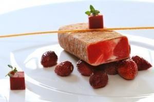 Croquant d'Orange, Sorbet et Gelée aux Fraises des Bois, Glace au Thym Citron - FoodConnexion