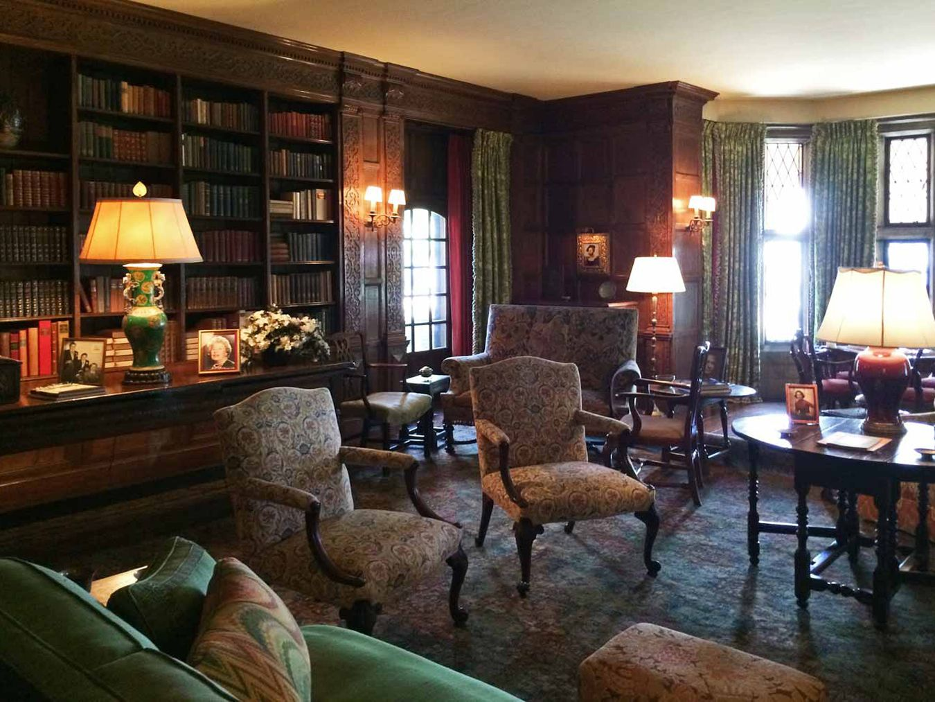 The Edsel And Eleanor Ford House The Library House Home