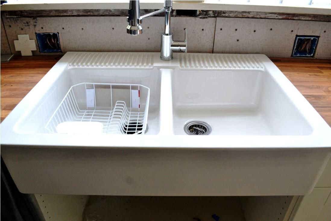 Farm Sinks For Kitchens Lowes Kitchen Decorating Ideas On A Budget Check More At Http Www En Farmhouse Sink Kitchen Ikea Farmhouse Sink Kitchen Sink Design
