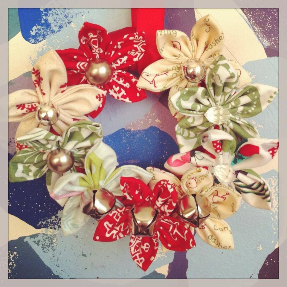 Christmas flower wreath, complete with Jingle bells! Small