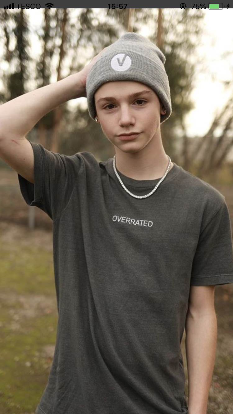 Pin By Jess Erpenbach On Iitspayton Young Cute Boys Cute Guys Cute Teenage Boys
