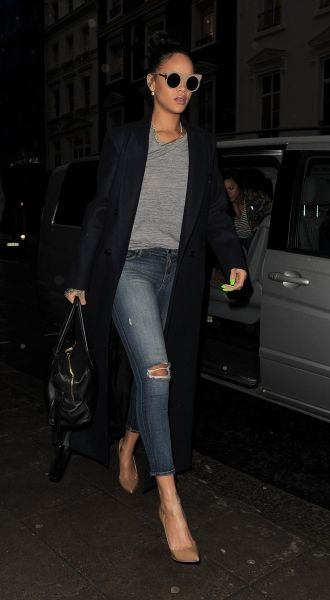 HEADING TO A RESTAURANT IN LONDON - DECEMBER 2, 2014.