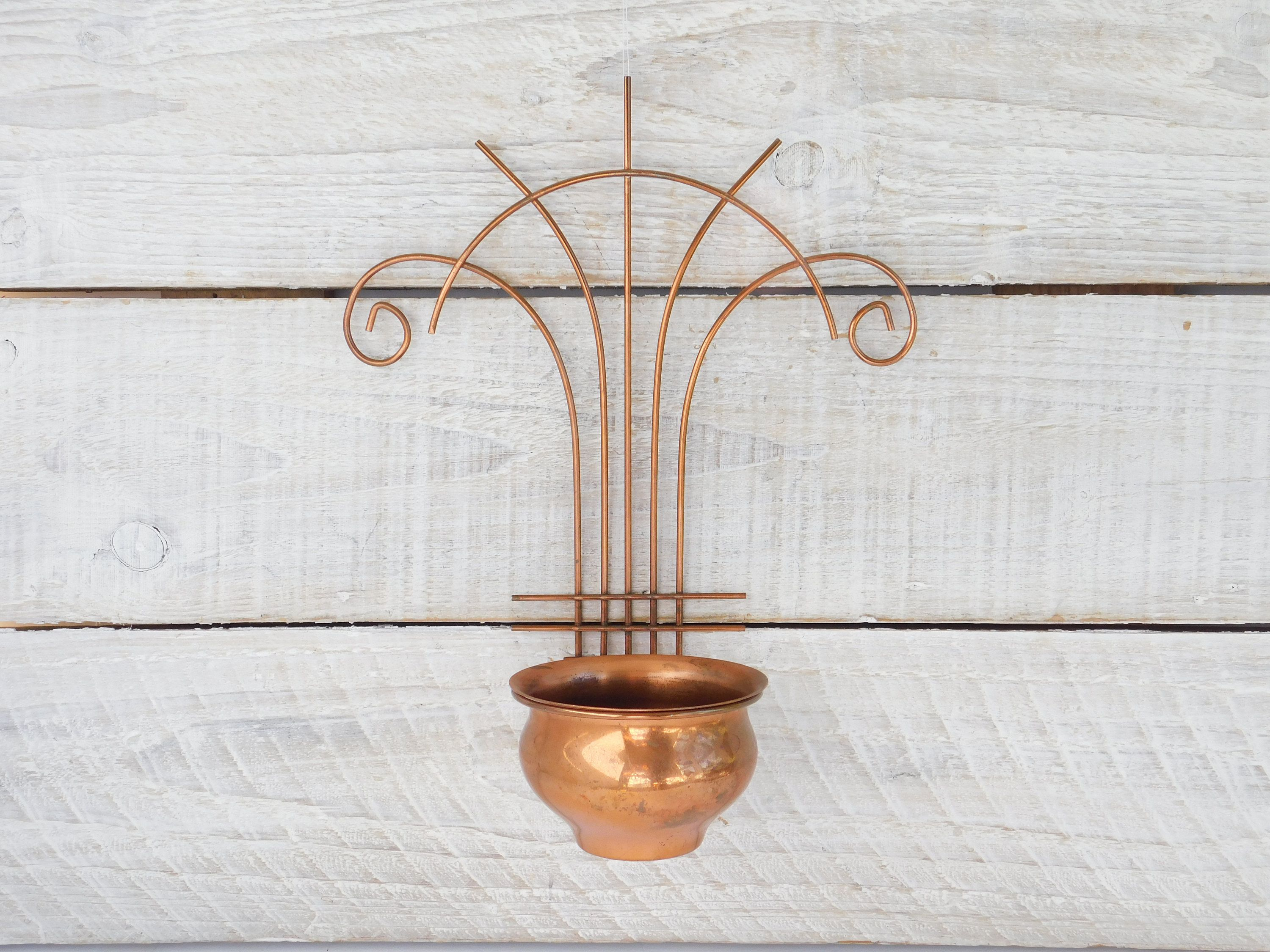 Vintage Copper Wall Hanging Planter Sconce Metal Wire Wall Etsy In 2020 Copper Wall Wall Vase Copper Wall Sconce