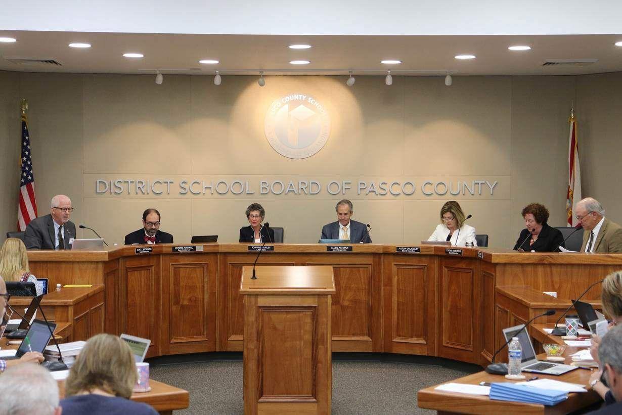 Pasco school board members enjoy new meeting room