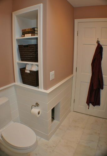 Built in litter box in bathroom with ventilation system to prevent odors!