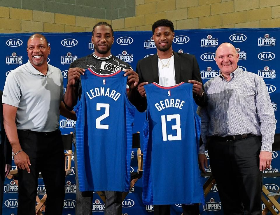 Steve Ballmer Is Listed As 6 5 196 Cm On Google Here He Is Standing Besides Kawhi Leonard Doc Rivers Paul George All Rang In 2020 Nba Schedule La Clippers La Lakers