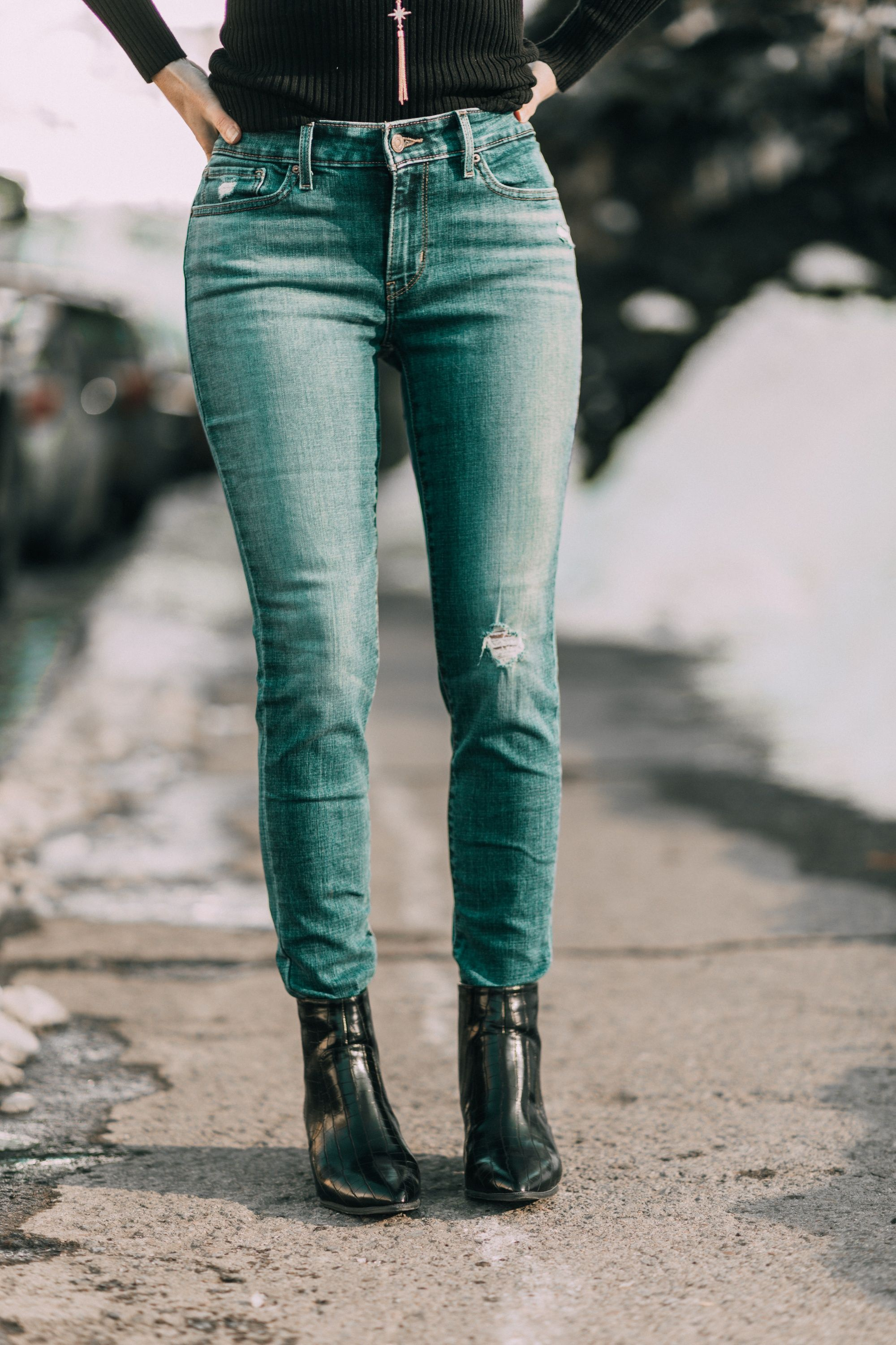3 Exciting Levi Jeans That Are Affordable! | Busbee style