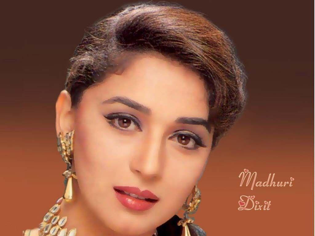 Madhuri Dixit Beautiful Actress Of Bollywood Wallpaper Wallpaper