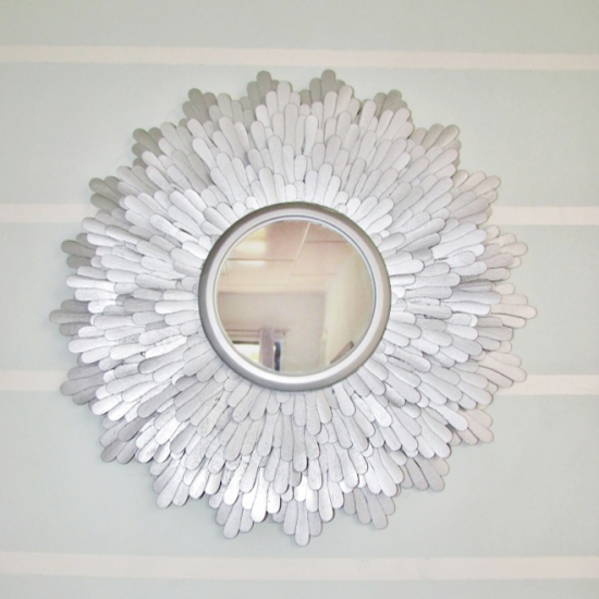 ecf92d312dd Unusual mirror decoration with ice cream sticks is very easy