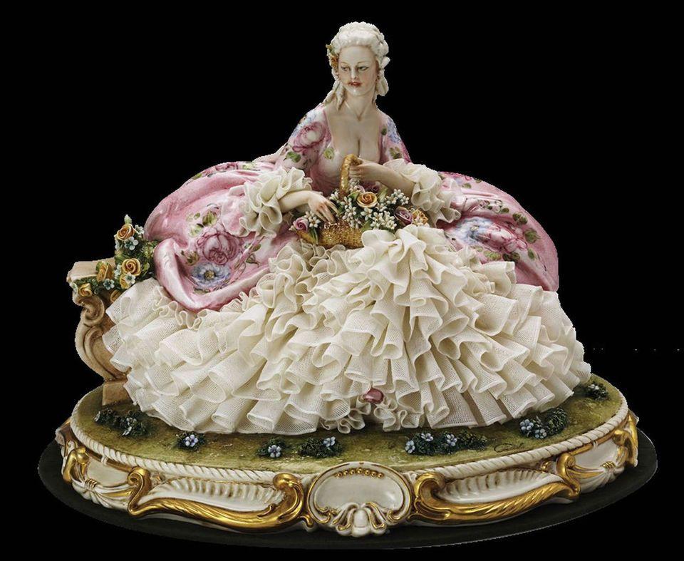 Principe porcellana capodimonte dama con cesto di fiori cod 1074
