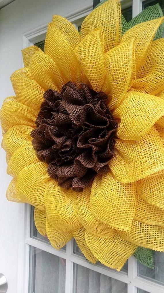 Photo of Sonnenblumenkranz, gelber Kranz, Haustürkranz, Verandakranz, Blumenkranz, Sackleinenkranz, Einweihungsgeschenk, Wanddekoration